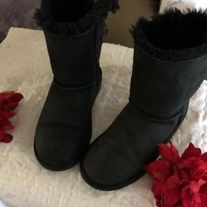 UGG BOOTS BLACK SIZE 6 good condition
